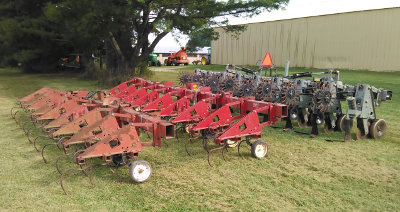 row crop cultivators